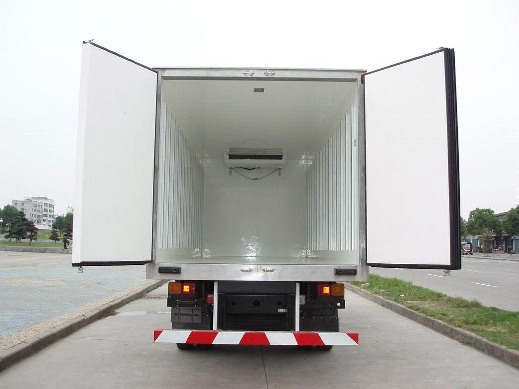 Refrigerated-truck-3